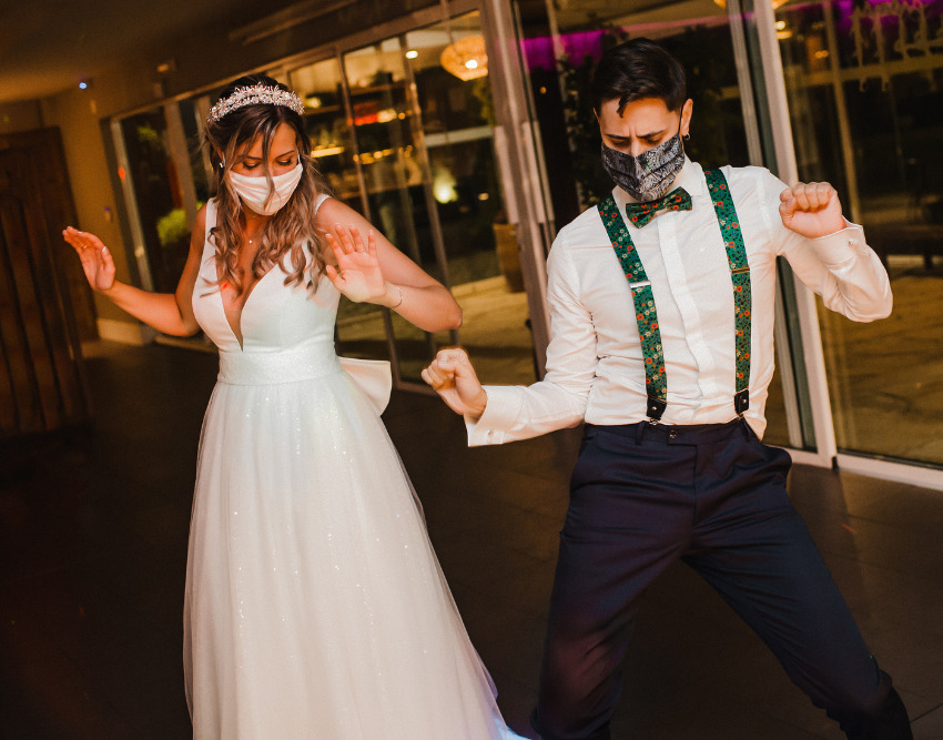 How to Plan a Safe Wedding During the COVID-19 Pandemic